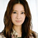 北川景子の葬儀での泣き顔画像!食べ方が改善もスプーンで出演!